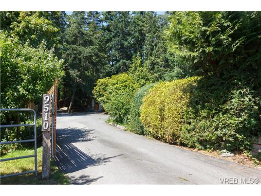 9510 West Saanich Rd - NS Ardmore Single Family Detached for sale, 3 Bedrooms (366892) #1