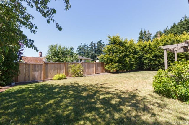 7964 Galbraith Cres - CS Saanichton Single Family Detached for sale, 4 Bedrooms (380473) #19