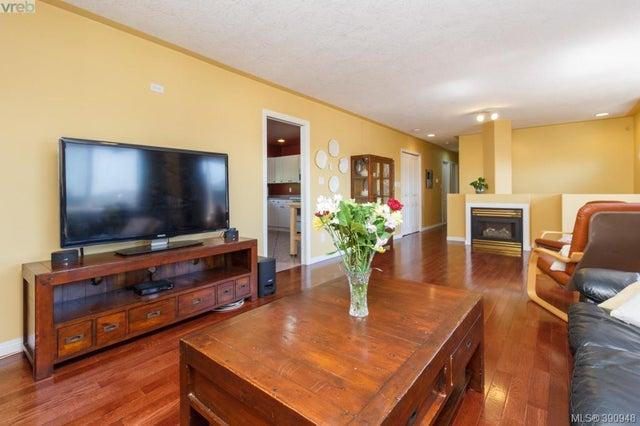 1104 Holly Park Rd - CS Brentwood Bay Single Family Detached for sale, 5 Bedrooms (390948) #5