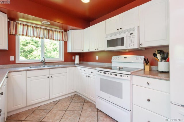 1104 Holly Park Rd - CS Brentwood Bay Single Family Detached for sale, 5 Bedrooms (390948) #9